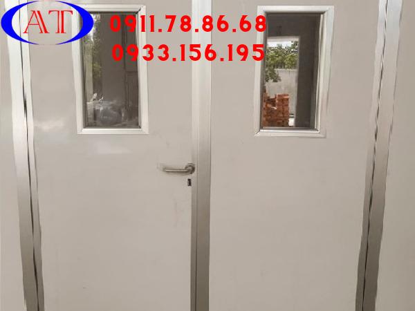 cửa mở panel